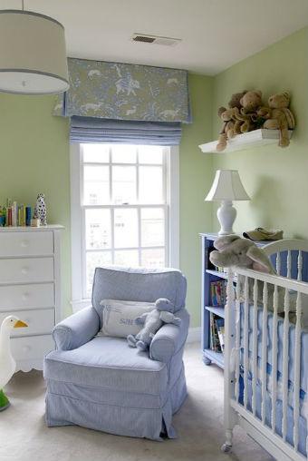 Cortinas para quarto de bebê - painel em tons lavanda