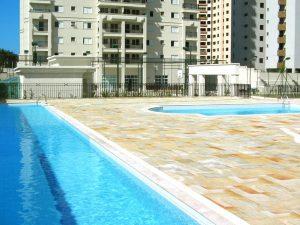 Imobiliária São José dos Campos: vista das piscinas do La Cité