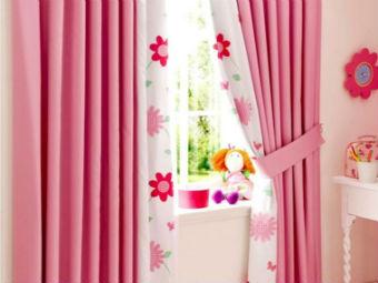 Cortinas para quarto de menina - rosa com detalhes em flor