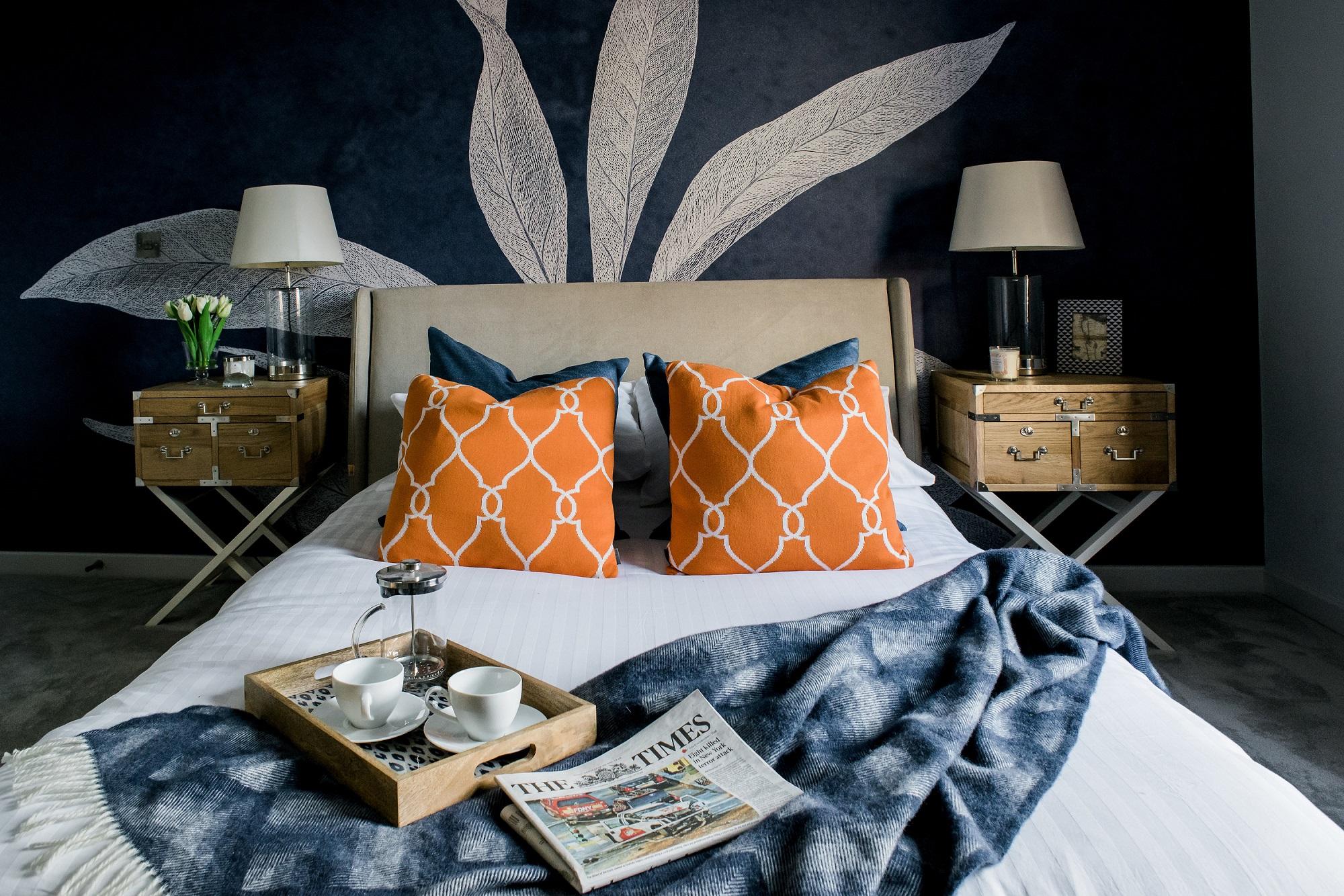 Decoração de quarto de casal: conforto para leitura