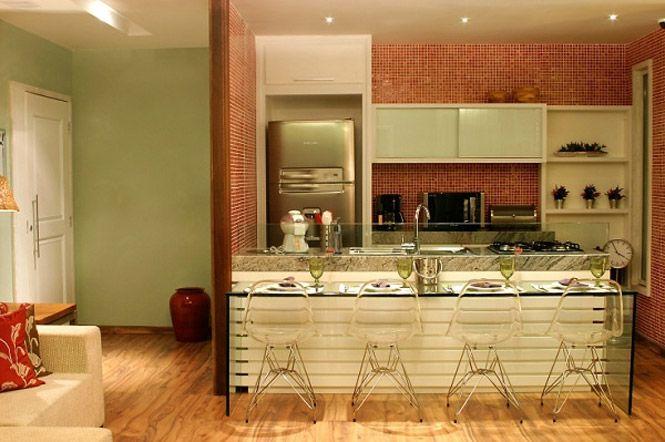 Cozinha americana: cadeiras transparente