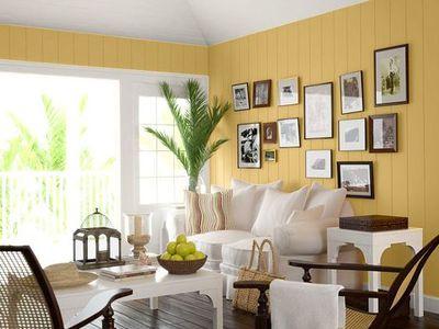 Cores de tintas para sala: sala branca e amarela