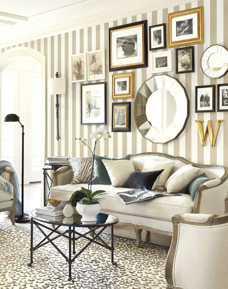 Papel de parede para sala de estar com quadros