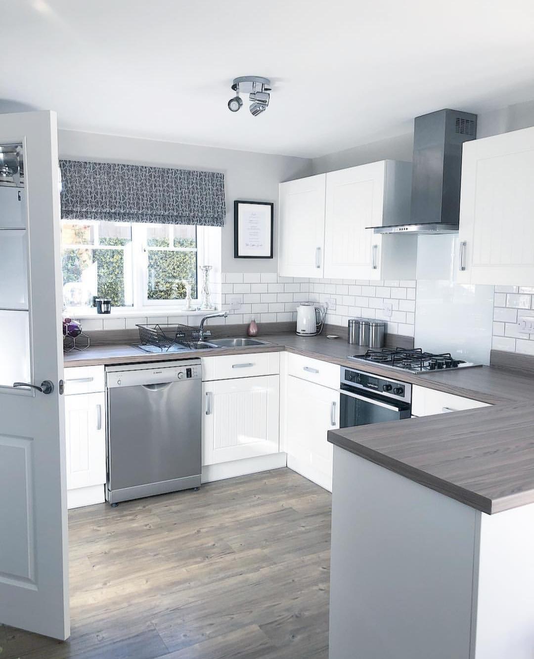 Cortina persiana: cozinha clean