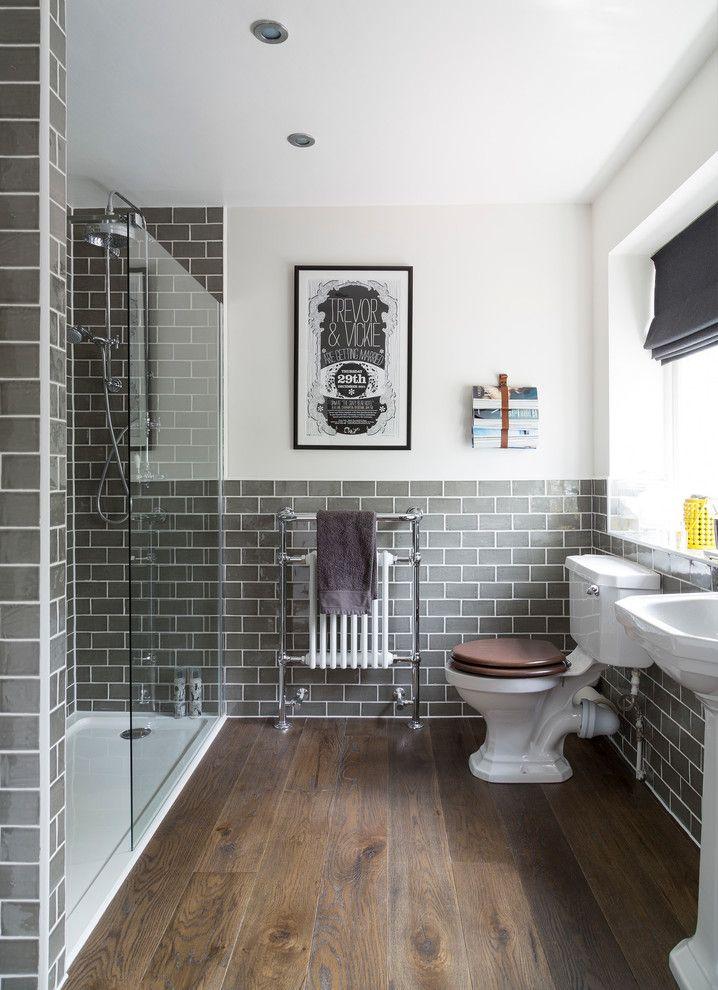 Piso para banheiro: madeira escura