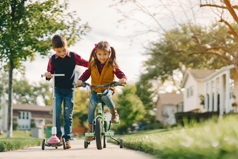 Imobiliárias em campinas crianças na calçada